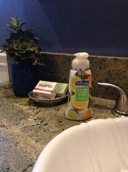 Softsoap® Ensembles, Hand Soap, Fresh Essence Starter Pump uploaded by Em M.
