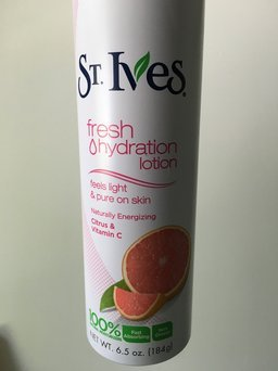 Photo of St. Ives Citrus & Vitamin C Fresh Hydration™ Lotion Spray uploaded by Jessica I.