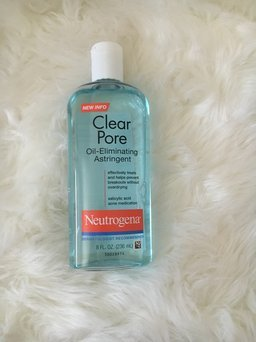 Neutrogena Clear Pore Oil-Controlling Astringent uploaded by Ashley P.