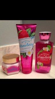 Bath & Body Works Shower Gel Bourbon Strawberry & Vanilla uploaded by Ali B.