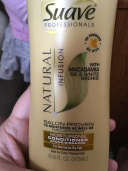 Suave Professionals Natural Infusion Conditioner, Awapuhi Ginger and Honeysuckle, 12.6 fl oz uploaded by Fatima B.