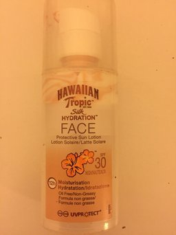 Hawaiian Tropic Silk Hydration Sunscreen Face Lotion with SPF 30 - 1. uploaded by Shabnam G.