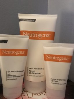 Neutrogena® Complete Acne Therapy System uploaded by hairbyme_01 S.