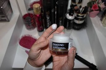 Pantene Pro-V® Stylers Flexible Hold Hairspray 17 oz. Can uploaded by Alondra Vianey T.