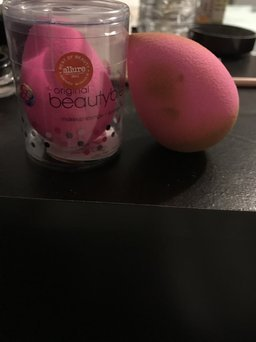 beautyblender the original beautyblender® with mini solid® uploaded by Dennisse G.