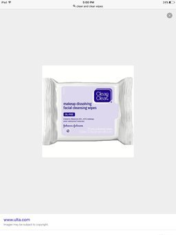 CLEAN & CLEAR® Makeup Dissolving Facial Cleansing Wipes uploaded by Kapuki L.