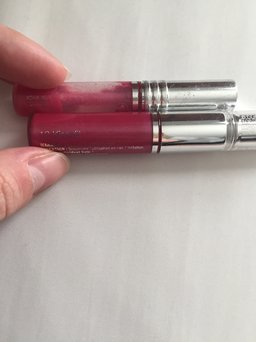Clinique Glosswear for Lips Lipgloss # 208 Kissyfit New Unboxed Gift with purchase size uploaded by Ashley W.
