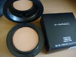 Photo of M.A.C Cosmetics Studio Tech Foundation uploaded by Luisa D.