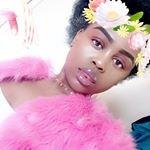 Queen_RiRi M.