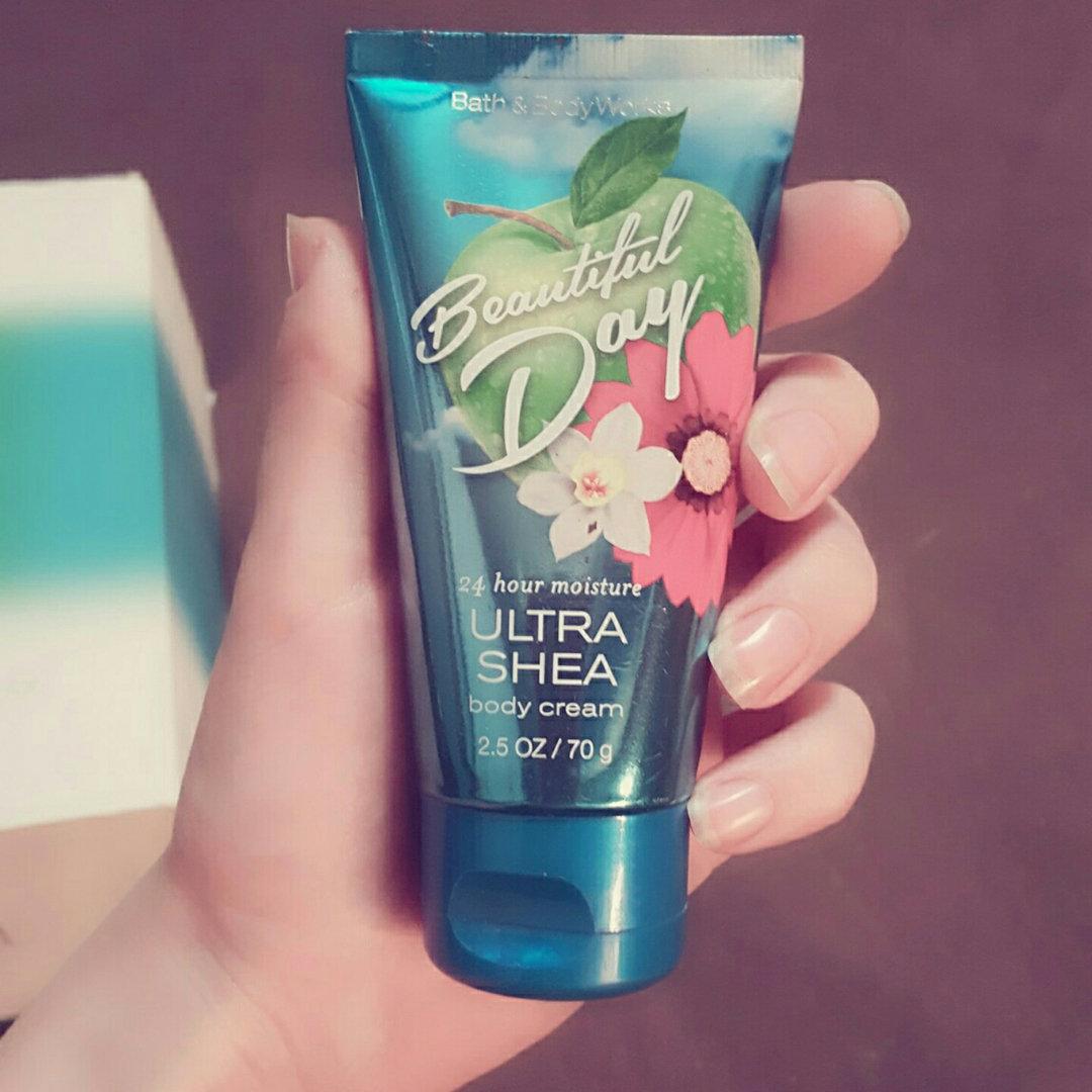 Bath & Body Works BEAUTIFUL DAY Super Smooth Body Lotion
