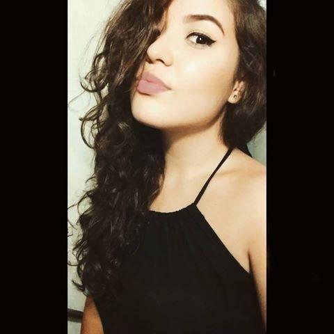Fernanda T.