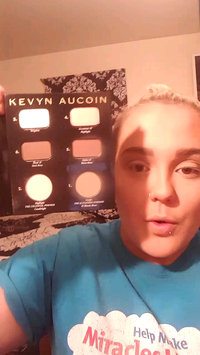 Video of KEVYN AUCOIN The Contour Book The Art of Sculpting + Defining uploaded by Jennifer F.