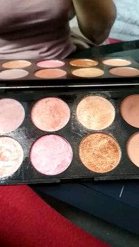 Video of Makeup Revolution Golden Sugar 2 Rose Gold Ultra Professional Blush Palette uploaded by Janka G.