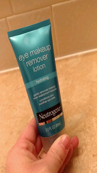Video of Neutrogena® Eye Makeup Remover Lotion-Hydrating uploaded by Jill S.
