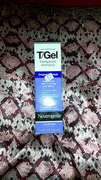 Video of Neutrogena T/Gel® Therapeutic Shampoo - Original Formula uploaded by 🍃🌹Samantha🌹🍃 C.