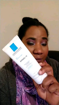 Video of La Roche-Posay Effaclar Medicated Gel Cleanser uploaded by Cleo H.