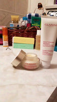 Clarins Extra-Firming Day Wrinkle Lifting Cream uploaded by Katy G.