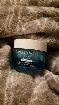 Video of Neutrogena® Hydro Boost Gel-Cream Extra-Dry Skin uploaded by Alicia O.