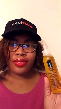 Video of Doo Gro Mega Thick Growth Oil uploaded by Shonteia O.