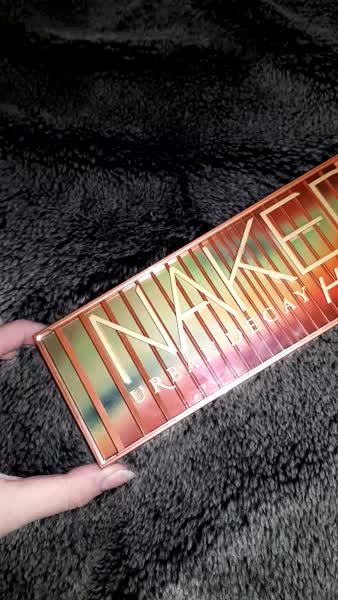 Urban Decay Naked Heat Eyeshadow Palette uploaded by Anna H.
