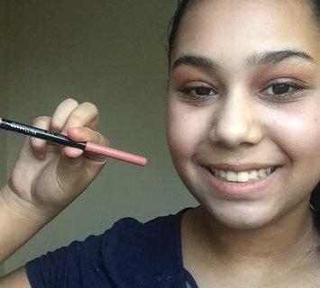Video of Maybelline Color Sensational® Shaping Lip Liner uploaded by Diy R.