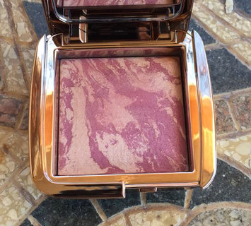 Video of Hourglass Ambient Strobe Lighting Blush uploaded by Cheryl S.