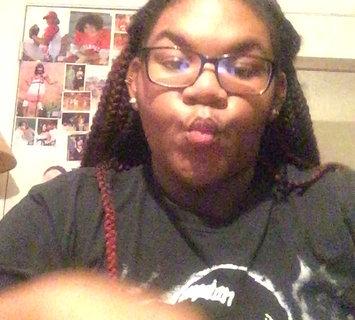 Video of e.l.f. Super Glossy Lip Shine SPF 15 uploaded by ~🎓2k18🎓•✨17✨ B.