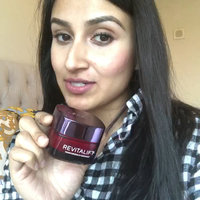 L'Oréal Paris RevitaLift® Triple Power™ Intensive Anti-Aging Day Cream Moisturizer uploaded by Farah S.