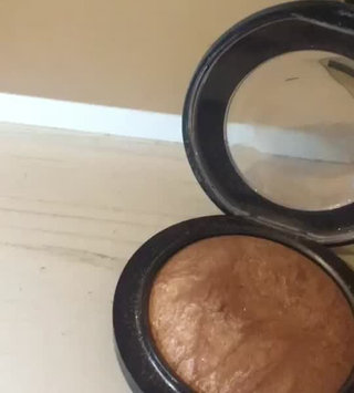 Video of MAC Cosmetics Mineralize Skinfinish uploaded by Becky W.
