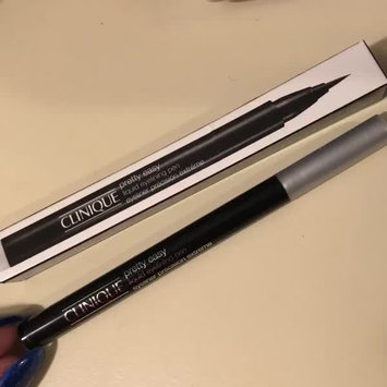 Video of Clinique Pretty Easy™ Liquid Eyelining Pen uploaded by Samantha M.