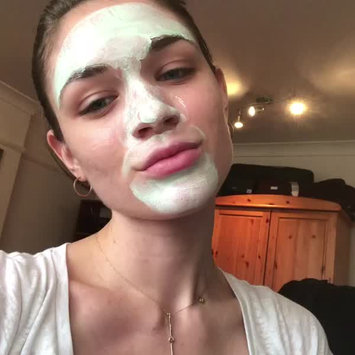 Video of Clarins Truly Matte Pure and Radiant Mask uploaded by Tímea S.