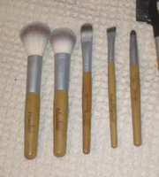 I on Beauty Geo Friendly Bamboo 7 Piece Eyes and Face Brush Set uploaded by Ryan A.