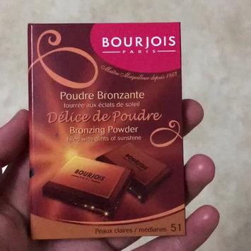 Video of Bourjois Bronzing Powder - Délice de Poudre uploaded by Shahinaz A.