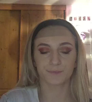 Video of Bourjois Bronzing Powder - Délice de Poudre uploaded by Molly V.