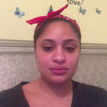 Video of Estée Lauder Double Wear Stay-in-Place Powder Makeup uploaded by Romelina R.