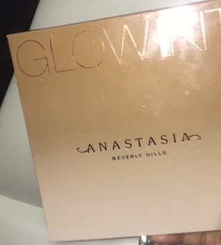 Video of Anastasia Beverly Hills Sun Dipped Glow Kit uploaded by Thahsina B.