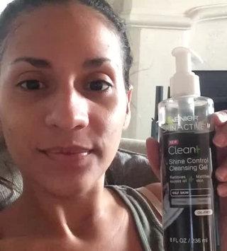 Video of Garnier Skinactive Clean+ Shine Control Cleansing Gel uploaded by Mari D.