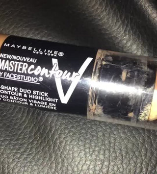 Video of Maybelline Facestudio® Master Contour V-Shape Duo Stick uploaded by Sophia S.