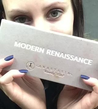 Video of Anastasia Beverly Hills Modern Renaissance Eye Shadow Palette uploaded by Elizabeth R.