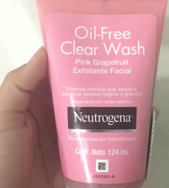 Neutrogena Oil-Free Pink Grapefruit Acne Wash Facial Cleanser uploaded by Ana M.