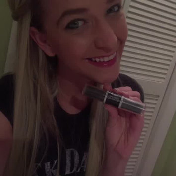 Video of Wet N Wild MegaGlo Dual-Ended Contour Stick uploaded by Hannah H.
