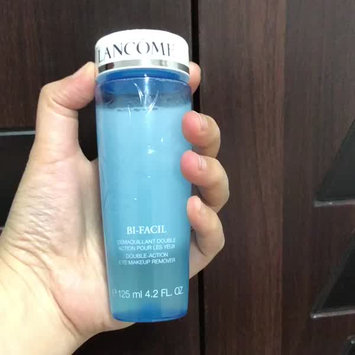 Video of Lancôme Bi-Facil Double-Action Eye Makeup Remover uploaded by Wesooooo D.