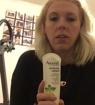 Video of Aveeno® Positively Radiant 60 Second In-Shower Facial Cleanser uploaded by Kimberly C.