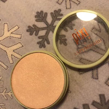 Video of Pixi Glow-y Powder by Aspynovard uploaded by Erin R.
