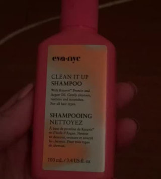 Video of Eva NYC Clean It Up Shampoo uploaded by Grisleidy O.