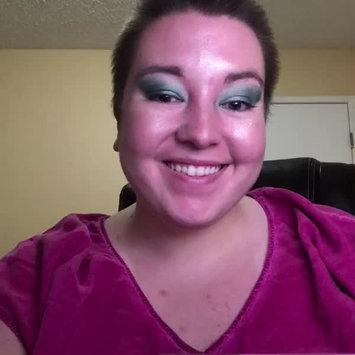 Video of BECCA x Chrissy Teigen Glow Face Palette uploaded by Shayla B.