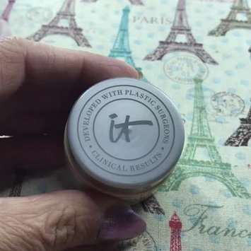 Video of IT Cosmetics Confidence in a Cream Transforming Moisturizing Super Cream uploaded by Sabrina H.