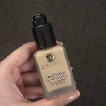 Video of Estée Lauder Double Wear Stay-In-Place Makeup uploaded by Henna A.