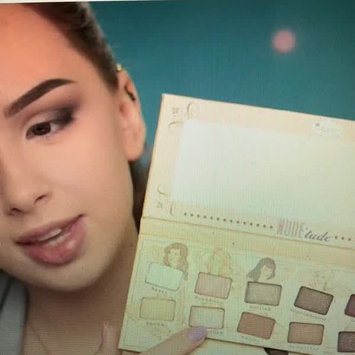 Video of The Balm Nude'tude Palette uploaded by Nadia S.