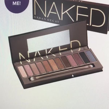 Video of Urban Decay Naked2 Eyeshadow Palette uploaded by Jeni T.